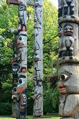 Totem Pole in Thunderbird Park, Victoria, BC, Canada — Stock Photo