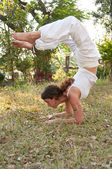 Maestro de yoga mujer — Foto de Stock