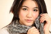 Giovane e bella donna asiatica — Foto Stock