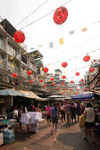 Busy streets and red lanterns in Chinatown — Stock Photo