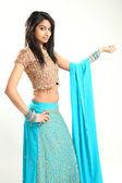 Traditionele mooie indiase vrouw — Stockfoto