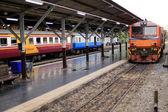 Train to Phetchaburi, Thailand — Stock Photo