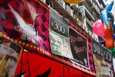 HONG KONG - NOVEMBER 26 2013: The busy LKF Lan Kwai Fong Festival — Stock Photo