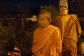僧侶赤シャツの抗議に参加します。 — ストック写真