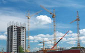 Building under construction with cranes — Stock fotografie