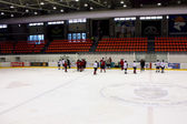 The Switzerland ice hockey team on ice of at practice — Zdjęcie stockowe