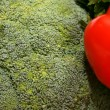 Closeup scene with broccoli and red pepper — Stok fotoğraf