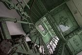 Vert, escalier de grunge — Photo