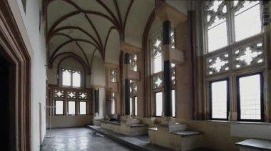 Korridoren i gotiska malbork castle, Polen — Stockvideo
