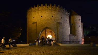 Ancient walls of Old Town in Warsaw, Poland. — Stok video
