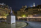 Night scene of Warsaw mermaid monument — Stock Photo