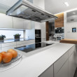 Modern white kitchen — Stock Photo