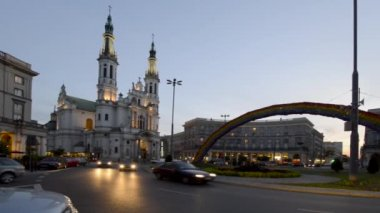 Church of the Holy Savior (Kosciol Zbawiciela) in Warsaw, Poland — Stockvideo