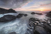 Sundown over Giants Causeway, North Ireland — Stock Photo