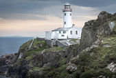 在法纳德头,多尼戈尔,爱尔兰的白色灯塔 — 图库照片