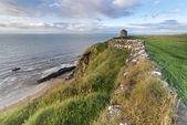 Coastline with Castlerock (Mussenden Temple) — Stock Photo