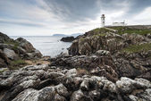 Blanco paited faro, fanad head, irlanda — Foto de Stock