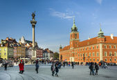 Royal Castle and King Waza III column on Castle Square in Warsaw — Stock Photo