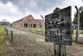 Death warning sign in Auschwitz, concentration camp in Poland — Stock Photo