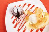 アイスクリームとチョコレート プリン — ストック写真