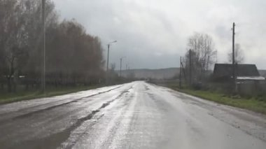 Driving through the village in Russia — Stock Video