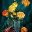 Still life with bright blossoming roses — Stockfoto