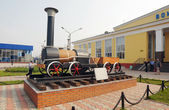 Copy of an old steam locomotive in the town of Belovo, Kemerovskaya region, Siberia, Russia — Stockfoto