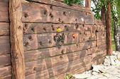 纪念斯大林镇压在镇的 mariinsk、 kemerovskaya 地区、 西伯利亚、 俄罗斯的受害者死亡墙 — 图库照片
