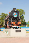 Monument locomotive to railroad workers  in the town of Topki, Kemerovskaya region, Siberia, Russia — Foto Stock