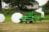 машина фермеров во время работы — Стоковое фото