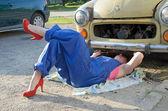 Woman car mechanic — Stock Photo