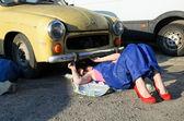 Mecánico de coches de la mujer — Foto de Stock