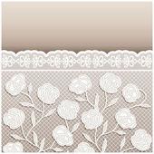 与美丽的浅色背景花边装饰品复古风格米色婚礼卡 — 图库矢量图片