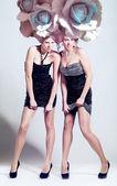 两个女孩大的白菜发型 — 图库照片