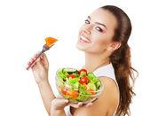 Mujer sexy feliz con ensalada — Foto de Stock