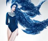Sensuell kvinna med långa blå hår abstrakt — Stockfoto