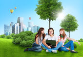 Students with laptop — Foto Stock