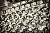 Máquina de escrever - estilo grunge. útil como plano de fundo — Foto Stock