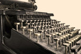 A photo of an antique typewriter from 1917 — Stock Photo