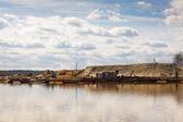 Dredge on the lake — Stock Photo