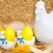 Easter chicken and egg decoration — Stock Photo #33583405