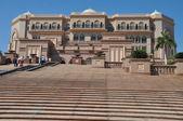 Emirates Palace Hotel in Abu Dhabi — Stock Photo