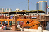 Boats, abras, dhows at Dubai Creek in the UAE — Stockfoto