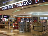 Shops at Dubai Duty Free at the International Airport — Photo