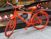 Bicycle exhibit at the Street Con urban art festival at Al Ghurair Centre in Dubai, UAE — Stock Photo