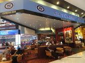 Caffe nero no centro comercial de dubai, nos emirados árabes — Fotografia Stock