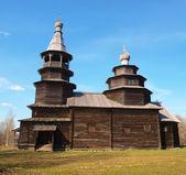 Vitoslavici の古代の木造教会 — ストック写真