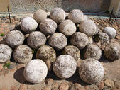 Old cannon-balls — 图库照片