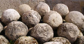 Old cannon-balls — Stockfoto