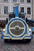 Excursion train on Tallinn street — ストック写真
